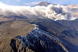 九州也出現薄薄白雪 阿蘇山「首次覆雪」比往年晚1天(影片)