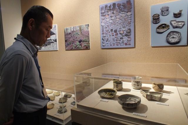 光秀曾於本能寺之變前參拜 愛宕神社出土「桃山茶陶」展出中