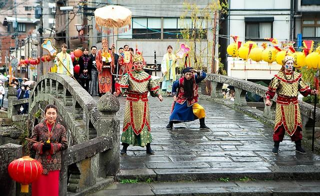 長崎燈會上媽祖列隊華麗登場 重現歷史上中國船員習俗