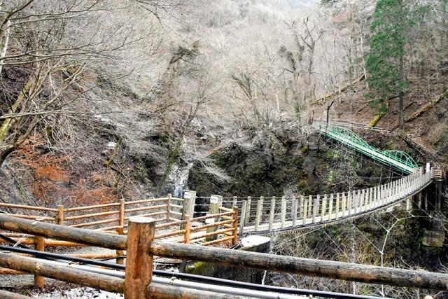 埼玉·秩父冰柱因暖冬融化 三大冰柱2處閉園1處無冰