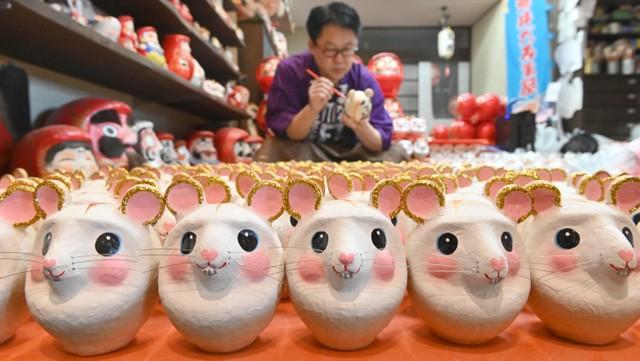 生肖「鼠」造型不倒翁迎新年 現正開始出貨至全國各地