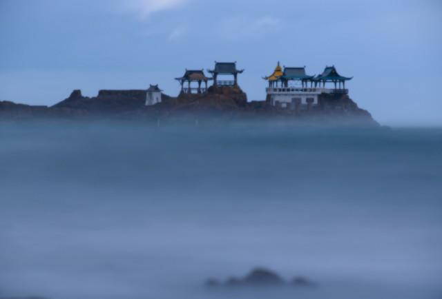 兵庫·豐岡人氣拍照景點 霧中「龍宮城」美景如夢似幻