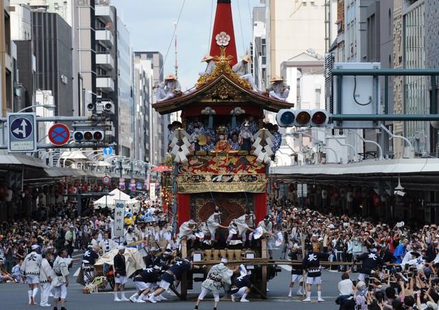 傳統活動因疫情而中止 祇園祭「山鉾巡行」、博多祇園山笠等