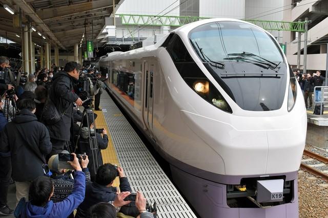常磐線全面重啟粉絲齊聚祝福 特快列車東京⇄仙台直達行駛