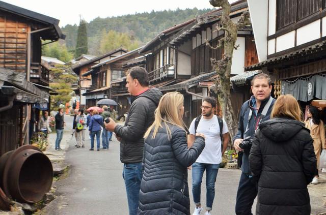 舊中山道‧馬籠峠的隘道行旅 外籍遊客數10年增加5倍