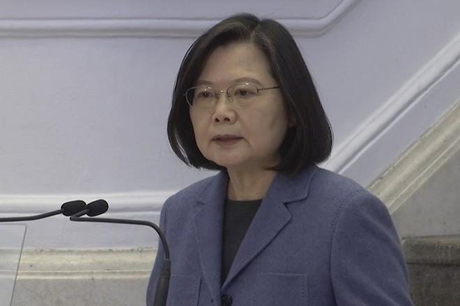 United States warships transit Taiwan Strait, China denounces 'provocation'