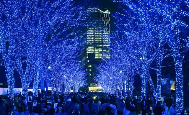 澀谷60萬盞LED燈營造夢幻氛圍 藍色洞窟前方出現新景致