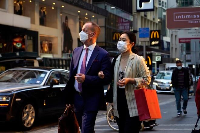 Hong Kong to close schools amid virus surge