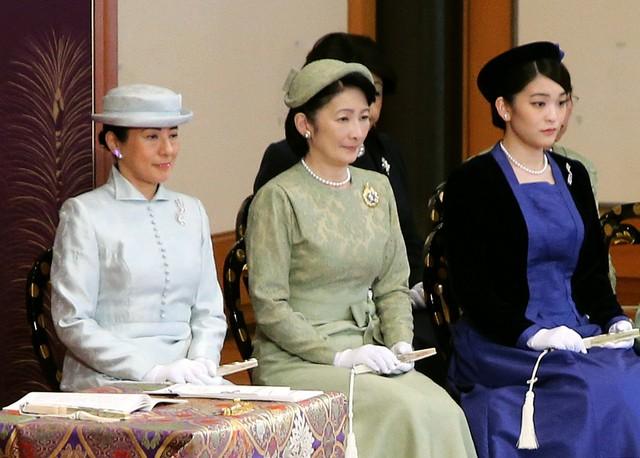 皇后 陛下 雅子 様 雅子さまファッション画像まとめ!着回しなさっても素敵なのはなぜ?