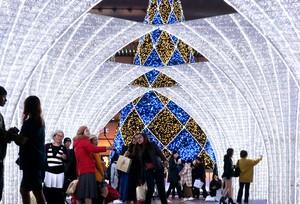 福岡·冬季風情燈飾活動登場 華麗點亮博多站前廣場(影片)