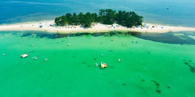 福井‧水島清澈大海與沙灘相映 夏日限定樂園「北陸夏威夷」