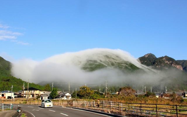 自熊野古道傾瀉而下的朝霧 「風傳降」景象如夢似幻