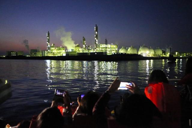 旅行團姬路港欣賞工廠夜景大受歡迎 攝影師隨行指導拍美照