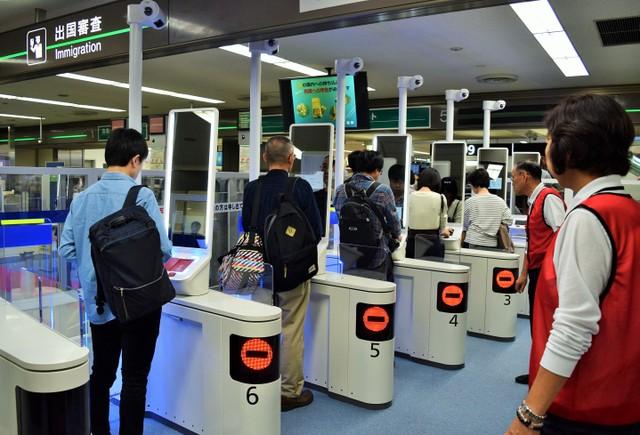 羽田等全國7機場 外籍人士出境將啟用「臉部認證閘門」
