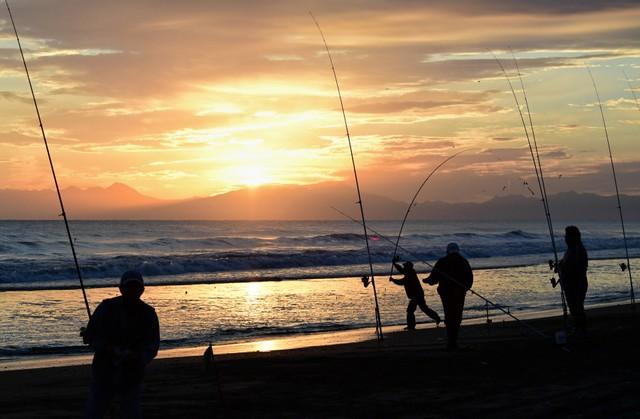 北海道鄂霍次克海迎來釣魚季 秋鮭洄游吸引大批釣客聚集