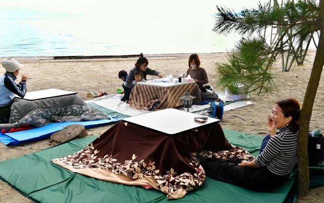 全世界只有這裡有?! 窩在鹿兒島海邊的暖爐桌中品嘗咖啡