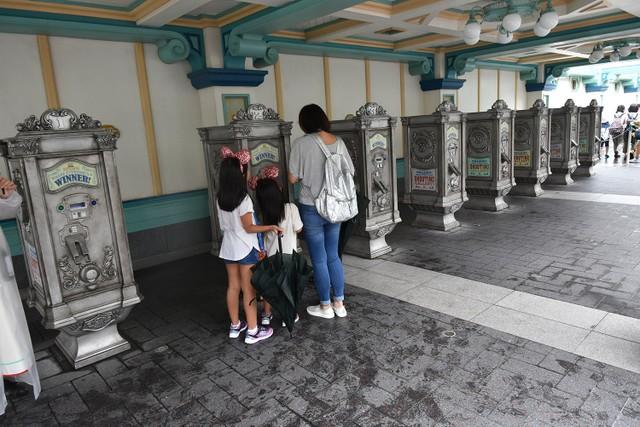快速通行券手機取票服務上路 迪士尼園內人潮出現變化