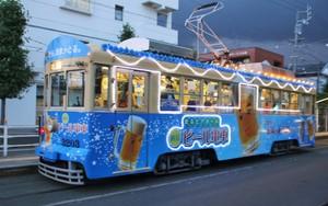 愛知縣「奔馳的啤酒館」上路 搭乘路面電車暢飲啤酒(影片)