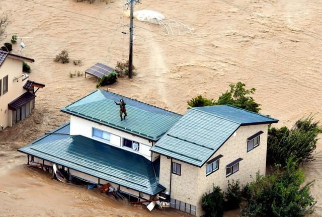 上田 市 氾濫