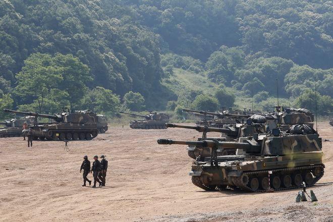 S. Korea, U.S. scale back drills over virus, N. Korea diplomacy : The Asahi Shimbun