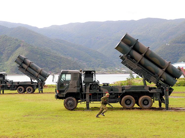 地対艦ミサイルバリアは専守防衛...