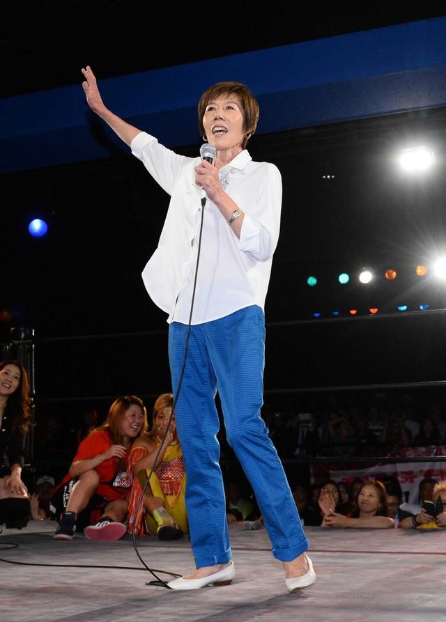 元ビューティ・ペアのマキ上田さんは、浅草で釜飯屋の女将に…相方・J ...