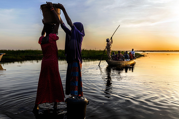 Chad, Bol. 15th October 2018. A severe humanitarian crisis is under way in the Lake Chad basin. Over two million refugees, five million people at risk of food insecurity and 500,000 children suffering from acute malnutrition. Lake Chad has fallen victim to the process of desertification that is threatening the very existence of the peoples who live on its banks and the ecosystem of its waters. Once the fourth-largest lake in Africa, since the 1950s its surface has shrunk by 90%.
