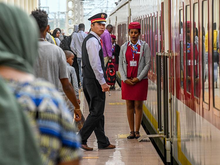 中国とアフリカの関係強化、その...