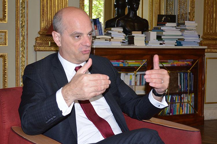 """義務教育を3歳から、その狙いは?フランスの教育大臣に聞いたstyle=""""display:"""
