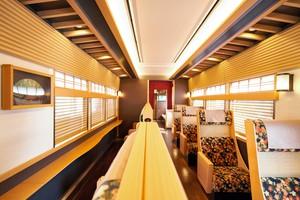 阪急觀光特急直通嵐山 車內設計享受滿滿京都風情