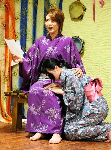 福島に移住した元宝塚男役「被災...